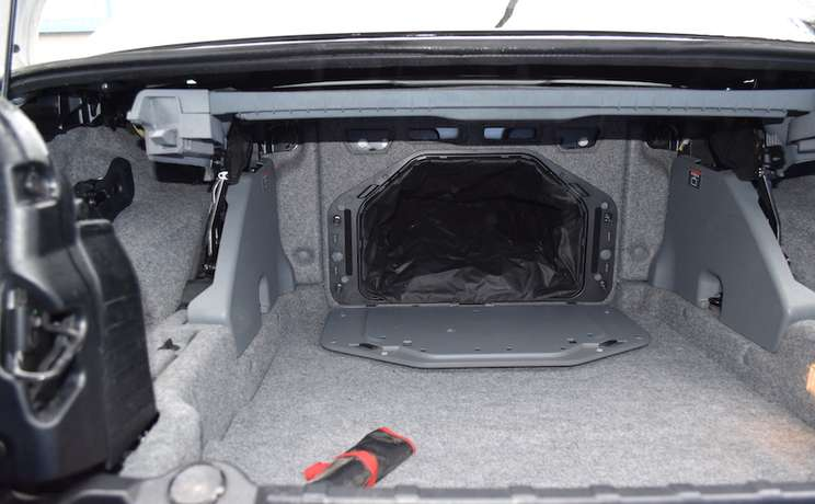 Bmw e93 3 series passaway thur the trunk to backseat